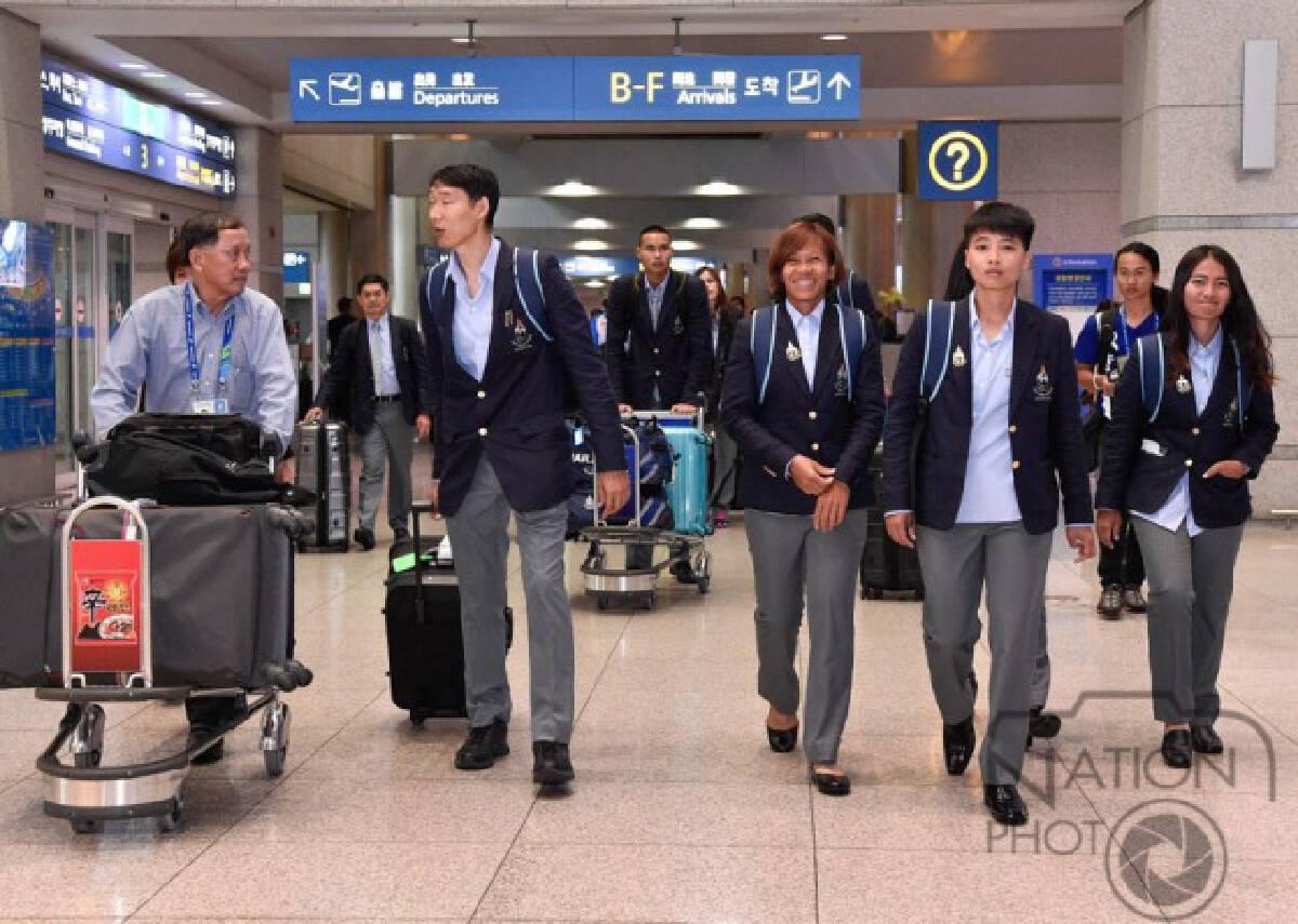 กองทัพนักกีฬาทีมชาติไทยชุดเอเชี่ยนเกมส์ เดินทางถึงสนามบินนานาชาติอินชอน (ภาพชุด)