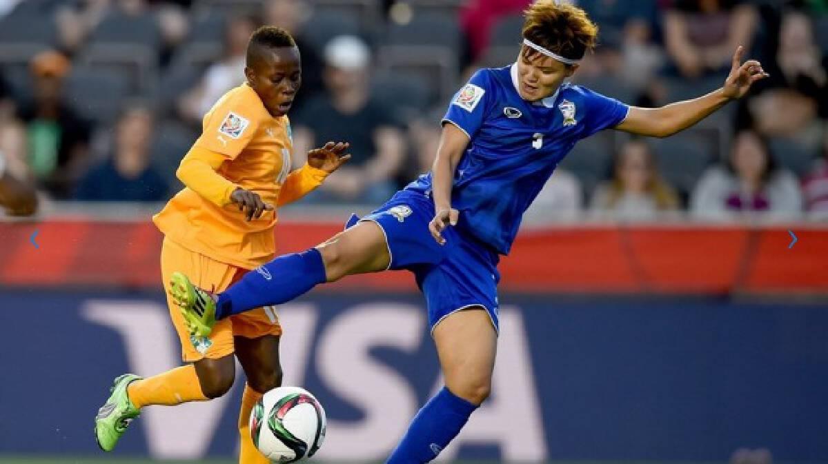 ชมภาพแข้งสาวไทยคว้า 3 แต้มประวัติศาสตร์ในฟุตบอลโลก