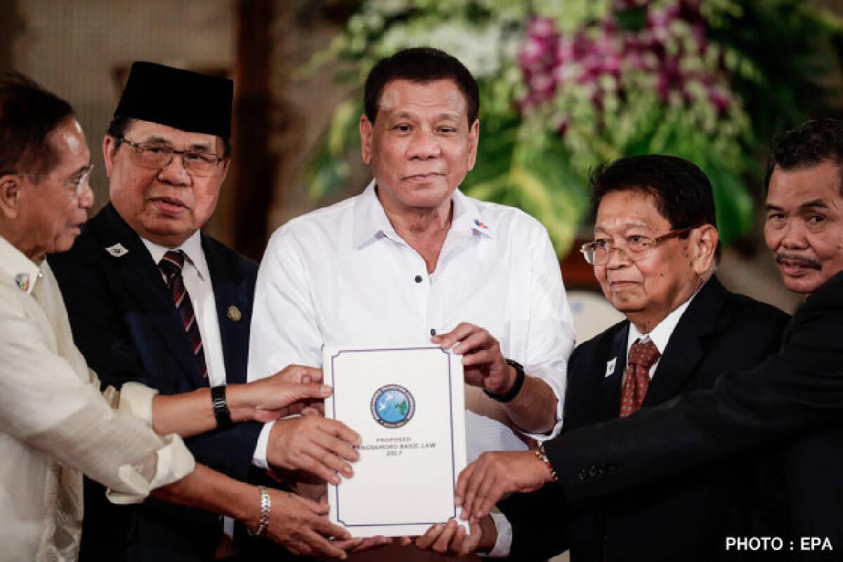 ฟิลิปปินส์เตรียมให้สิทธิชาวมุสลิมปกครองตนเอง แก้ปัญหาสู้รบแบ่งแยกประเทศ