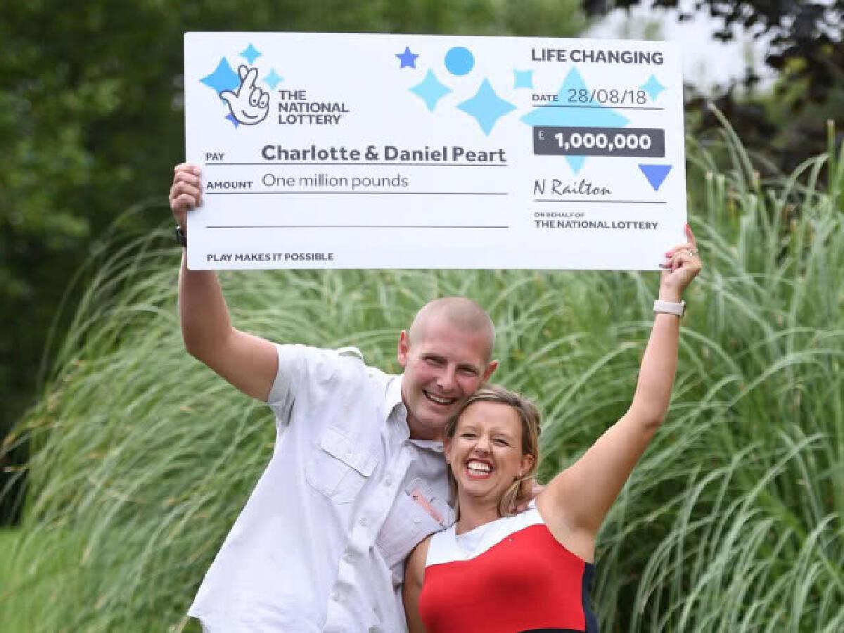 ก็คนมันมีโชค!!! หญิงอังกฤษชอบอำสามีว่าถูกสลาก จนได้รางวัลจริงๆ กว่า 42 ล้านบาท