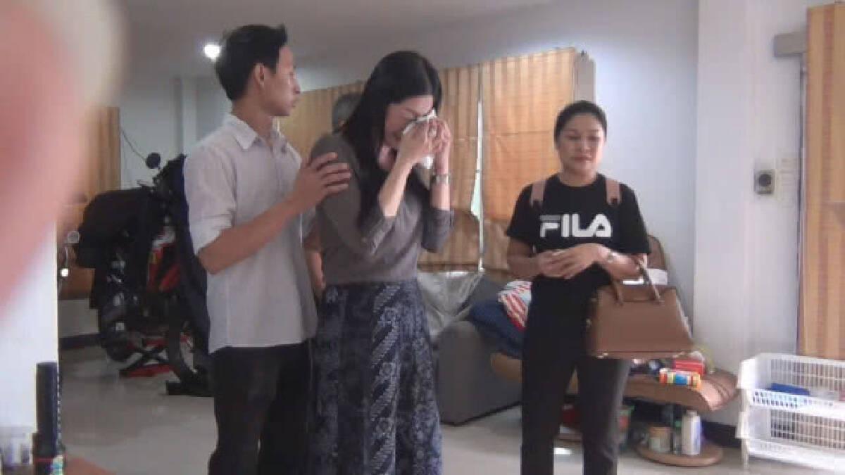 (คลิป) พ่อ-น้องสาวเสี่ยเกาะเต่าดูจุดเกิดเหตุ ปล่อยโฮ!!รับไม่ได้กับสภาพที่เห็น