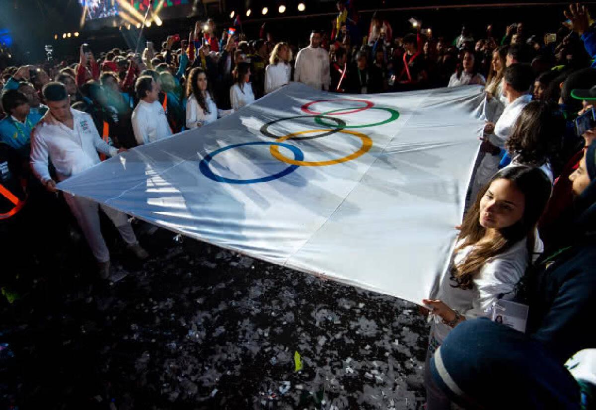 """ปธ.โอลิมปิกสากลกล่าวยกย่อง """"ทีมหมูป่า"""" ในพิธีเปิดยูธโอลิมปิก"""