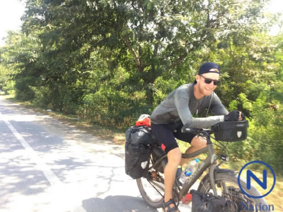 หนุ่มดัตช์ปั่นจักรยานข้ามทวีป 17,900 กม.มาหาพ่อที่เมืองไทย