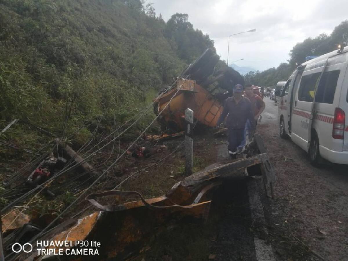 รถบรรทุกน้ำทหารคว่ำบนอินทนนท์ตาย 2 บาดเจ็บ 2