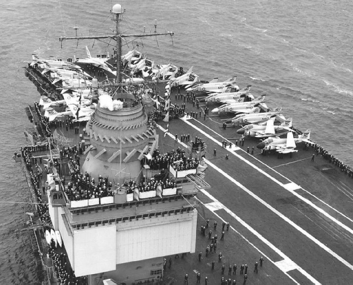24 ก.ย. 2503 เรือบรรทุกเครื่องบินพลังงานนิวเคลียร์ลำแรก