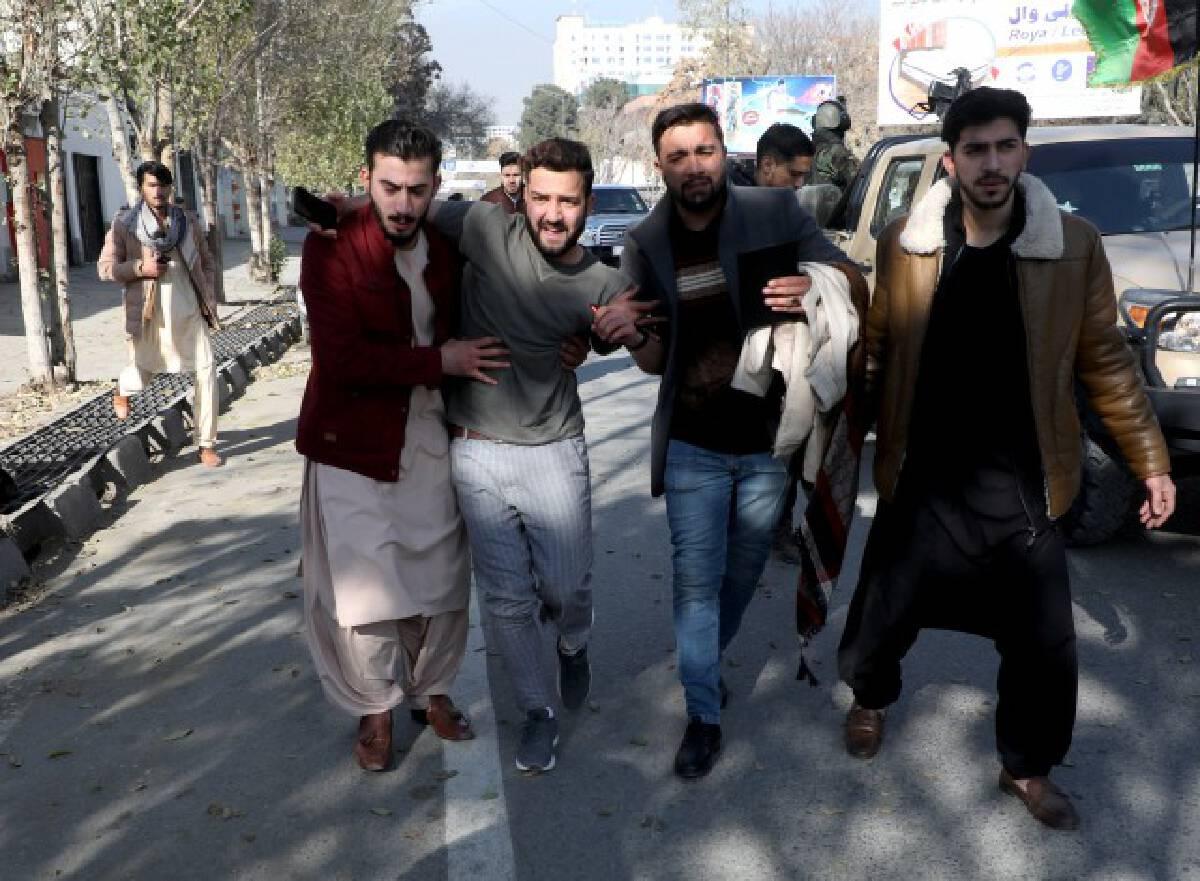 จรวด 23 ลูกถล่มอัฟกานิสถานดับ 8 เจ็บ 31