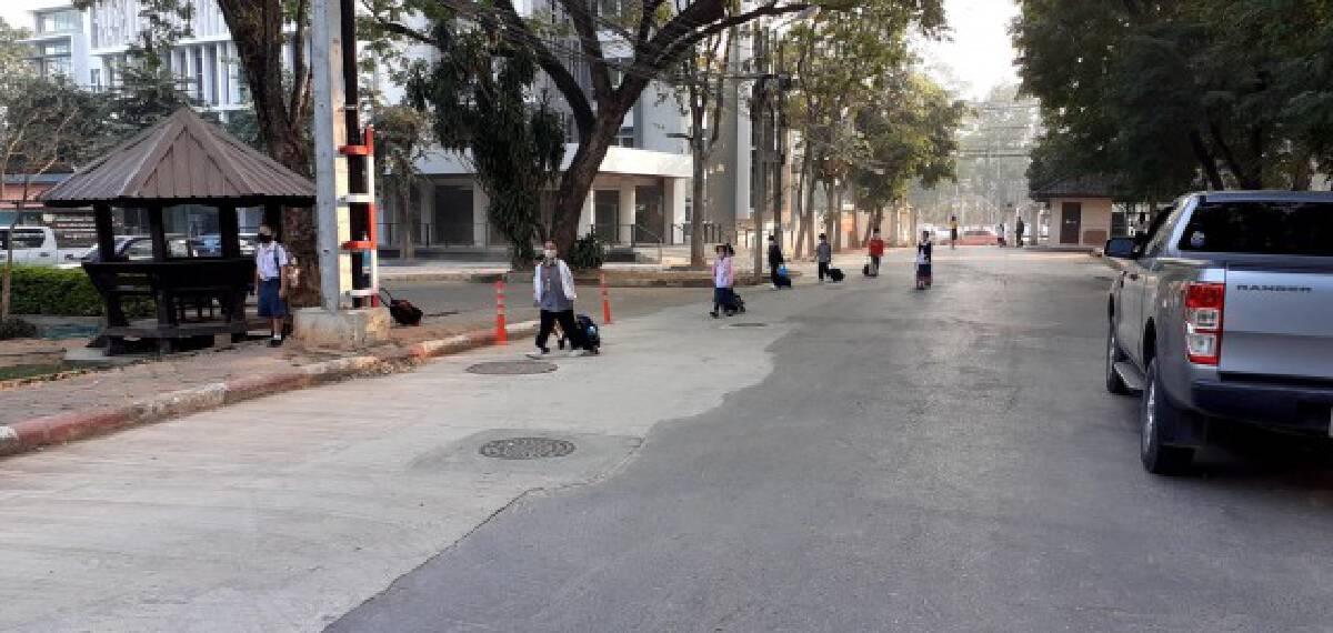 สาธิตมอดินแดงเปิดเรียนตามปกติป้องกันโควิดเข้ม