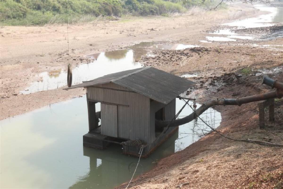 น้ำไม่พอ-สั่งหยุดสูบน้ำในแม่น้ำยม