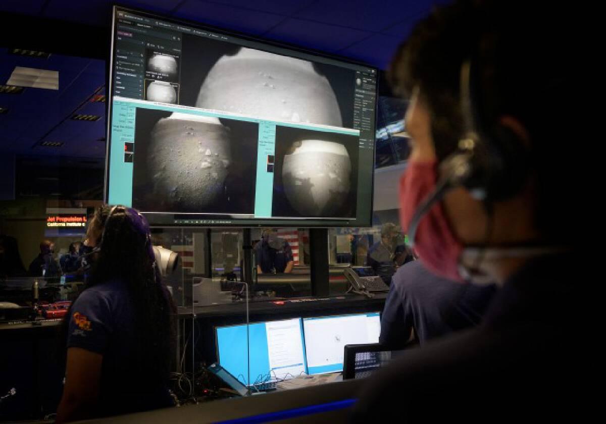 ยานสำรวจสหรัฐลงจอดดาวอังคาร-ส่งภาพแรกกลับโลก