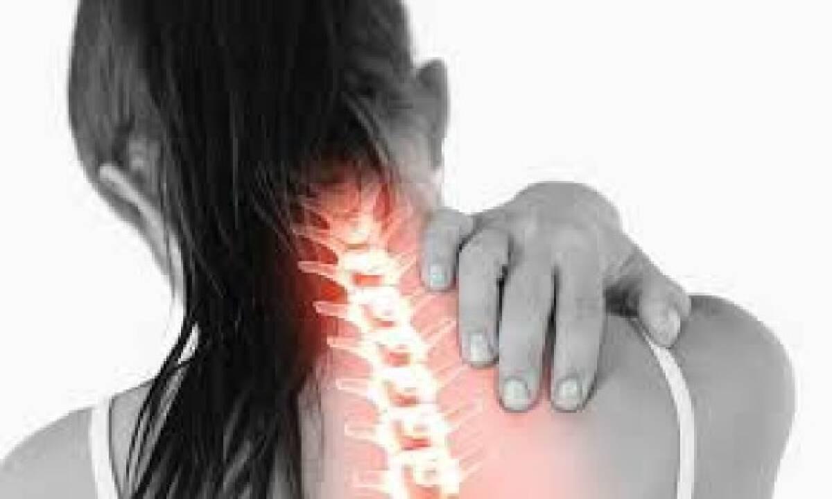 กรมการแพทย์เตือน โรคหมอนรองกระดูกสันหลังส่วนคอกดทับเส้นประสาท  ภัยเงียบ ควรรีบพบแพทย์