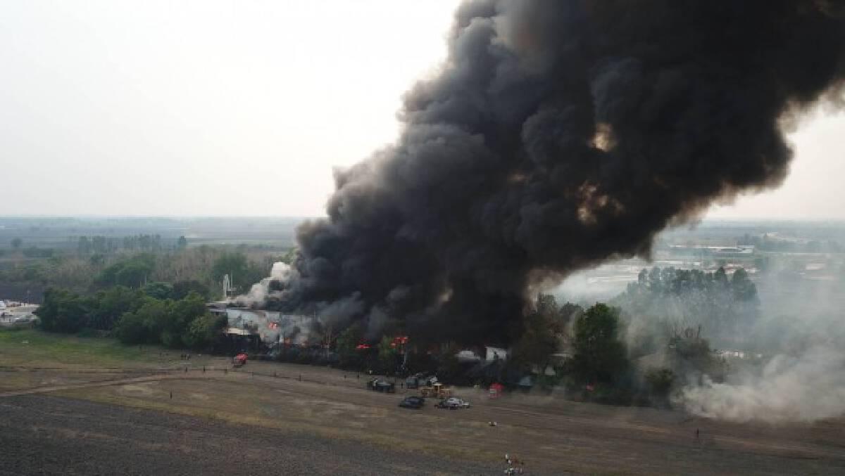 เกิดเหตุไฟไหม้โรงงานรีไซเคิล วอดนับสิบล้าน
