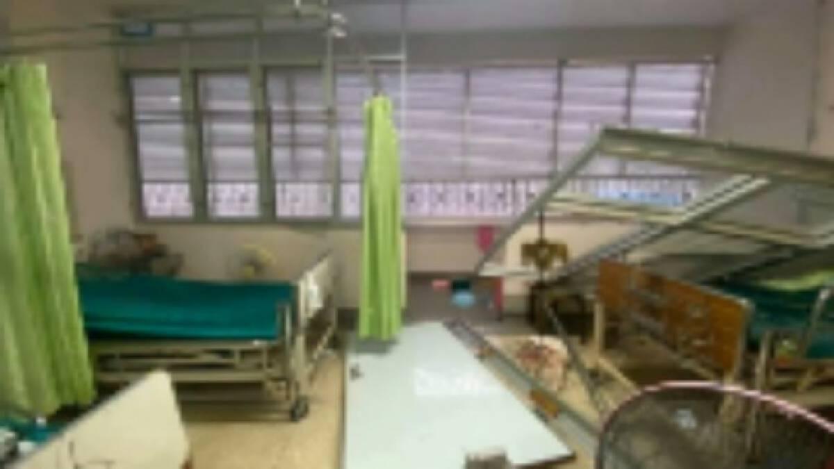 พายุฤดูร้อนถล่มโรงพยาบาลวิเชียรบุรี ห้องผู้ป่วยพังกระจาย