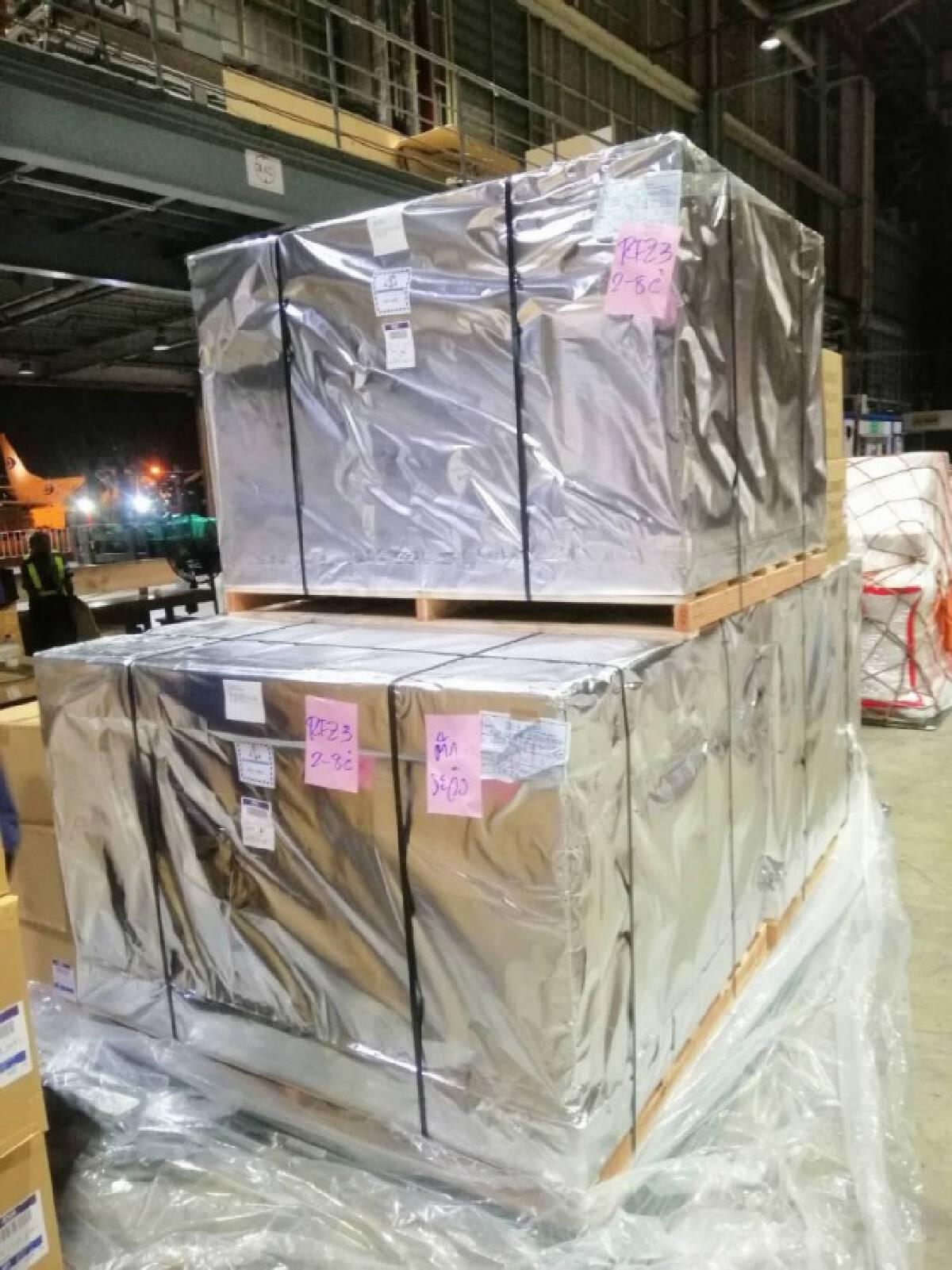 """""""ฟาวิพิราเวียร์"""" 2 ล้านเม็ดถึงไทยแล้ว - อภ.เร่งกระจายยา"""