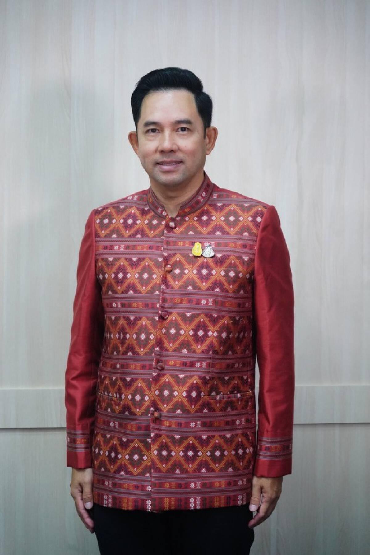 วธ.เดินหน้ารณรงค์ทุกจังหวัดใช้และสวมใส่ผ้าไทยในชีวิตประจำวัน