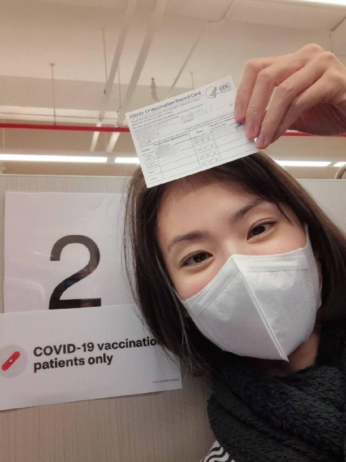 """""""มิ้นท์"""" รีวิวฉีด """"ไฟเซอร์"""" ที่สหรัฐ แซะไทยมีข้อจำกัดเรื่องวัคซีน"""