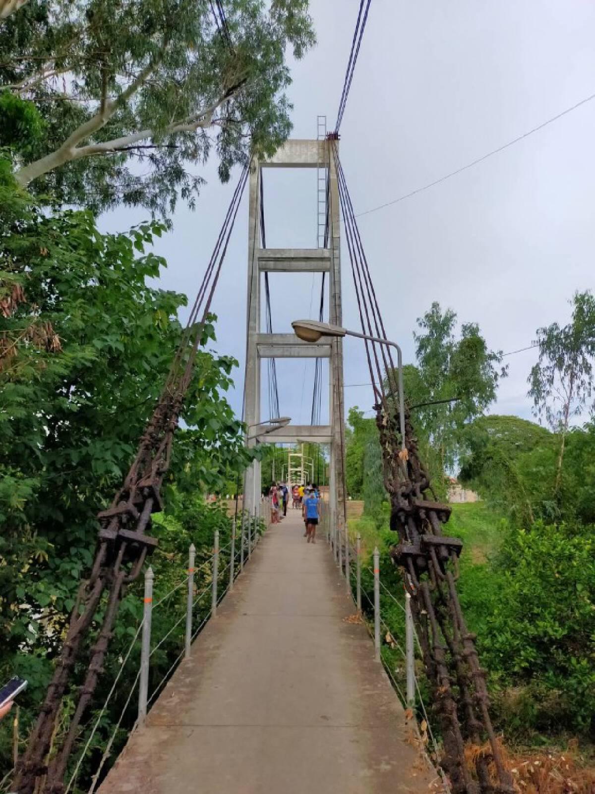 วอนค้นหาวัยรุ่นเครียดถูกกักตัว-กระโดดสะพาน