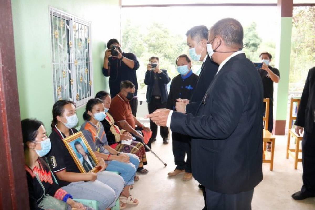 นายกรัฐมนตรี ส่งพวงหรีดเคารพศพ แรงงานไทยเหยื่อสงคราอิสราเอล