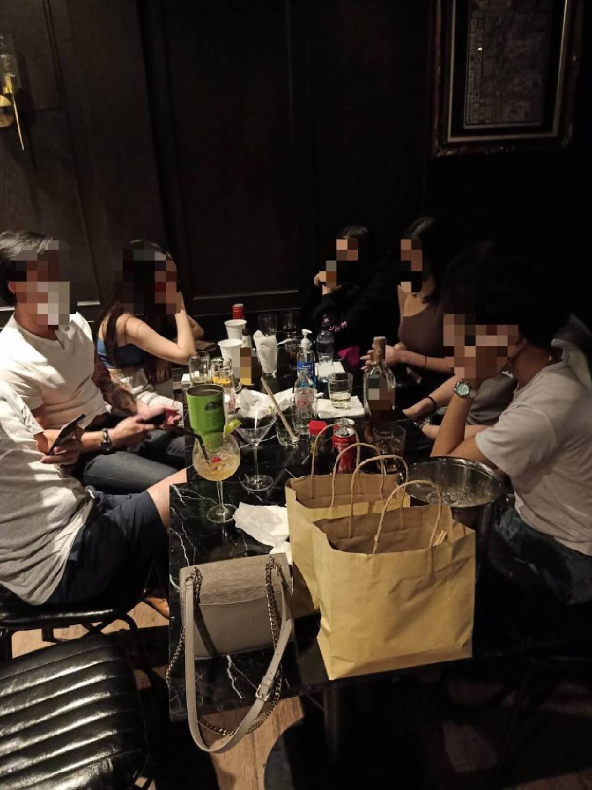 ศาลสั่งจำคุก 1 เดือน 31 นักดื่มไม่สนโควิด เปิดร้านจัดปาร์ตี้