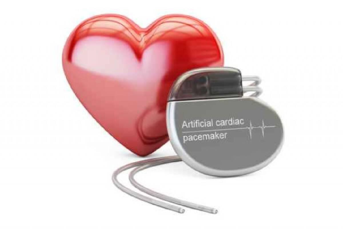 """แพทย์เผย """"อีริคเซ่น"""" ต้องติดตั้งเครื่องกระตุ้นหัวใจ"""