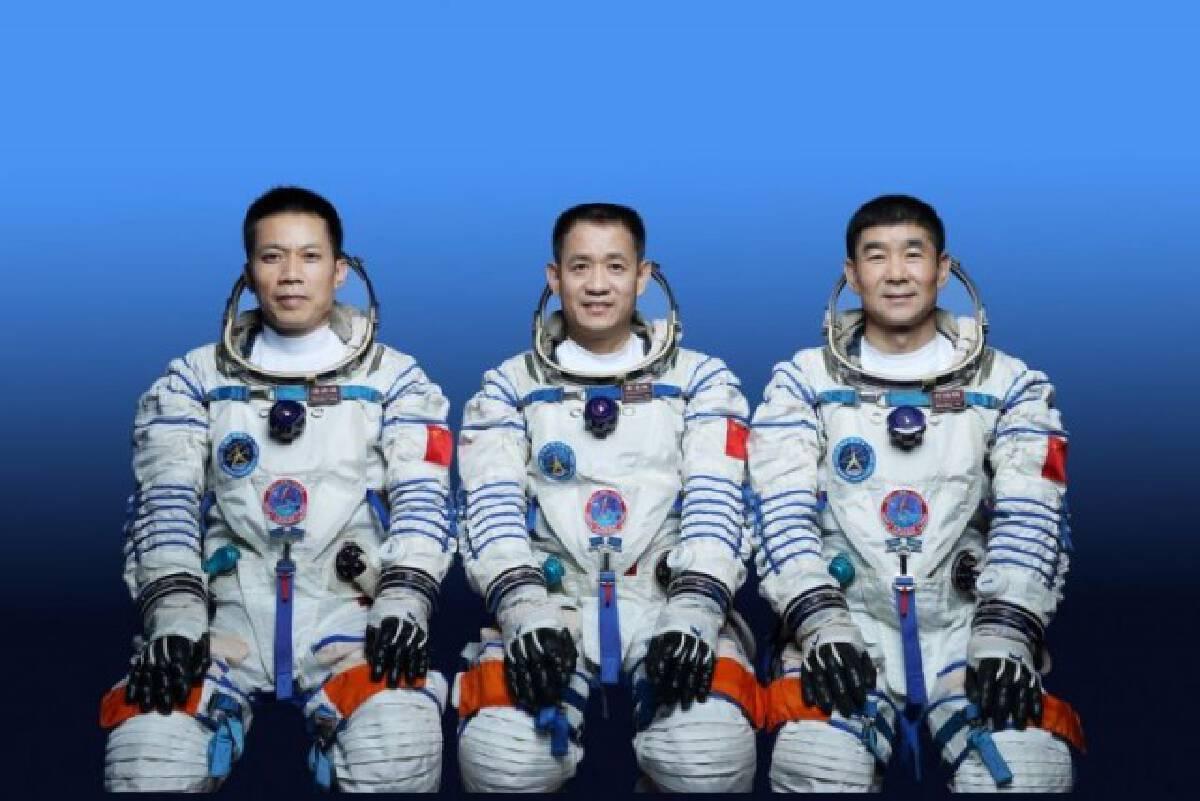 เช้าวันนี้ 'จีน'เตรียมส่งยาน 'เสินโจว-12' พร้อมนักบินอวกาศ 3 คน เดินหน้าสร้างสถานีอวกาศ