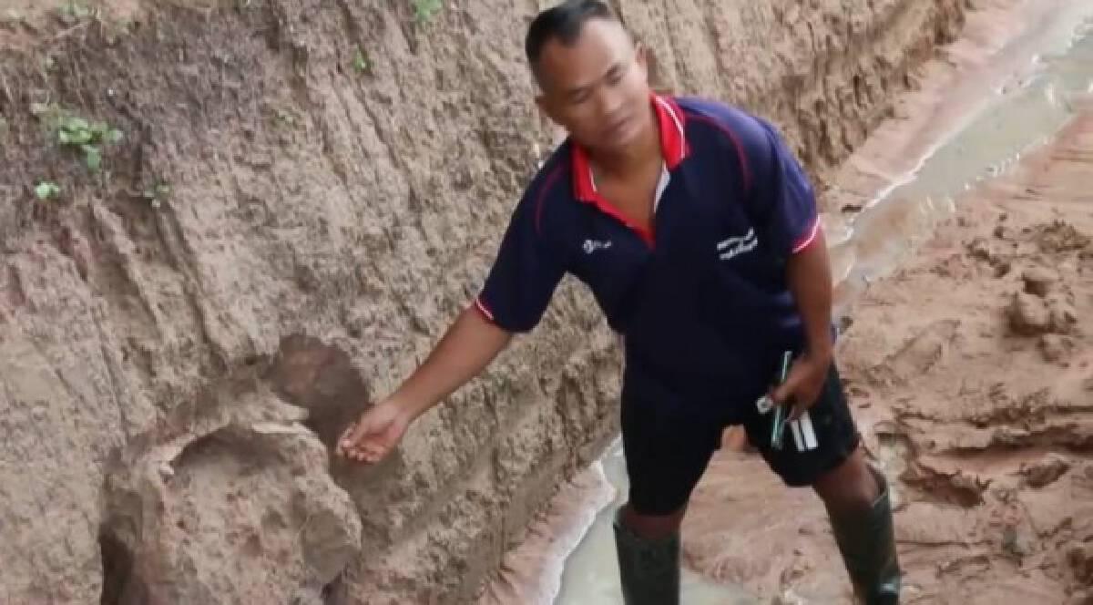 ชาวบ้านผงะขุดดินเจอไหโบราณอายุกว่า 300  ปี