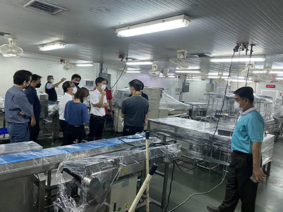 ผู้ว่าฯ นครปฐม เข้มลงพื้นที่โรงงานในอ.สามพราน หลังพบคลัสเตอร์หลายแห่ง ชี้ใช้ Bubble and seal ควบคุม