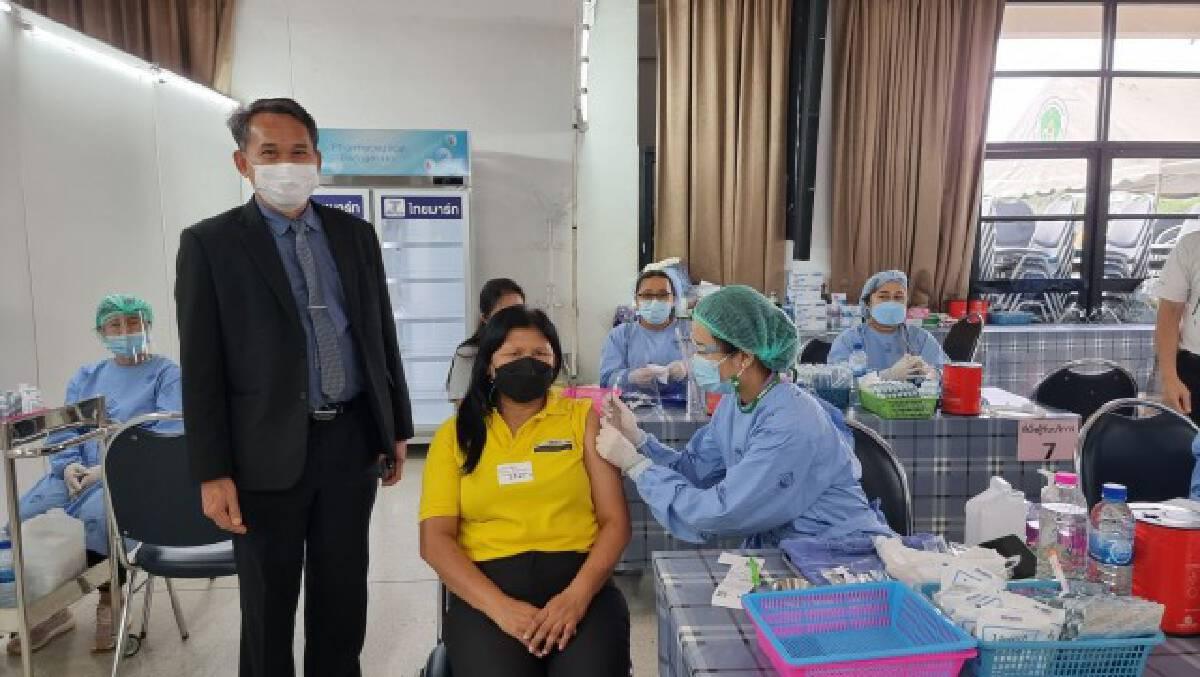 ครูพิษณุโลกขอจัดสรรวัคซีนเพิ่ม