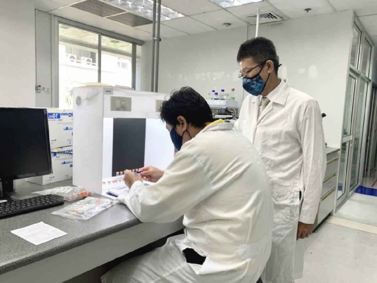 """กรมวิทย์รับรองวัคซีน""""ซิโนฟาร์ม""""ล็อตแรก 7 รุ่นการผลิตแล้ว"""