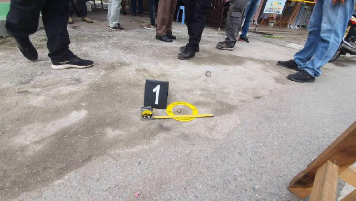 2 โจรควงปืนยิงขู่กวาดทอง 114 บาทหนีลอยนวล