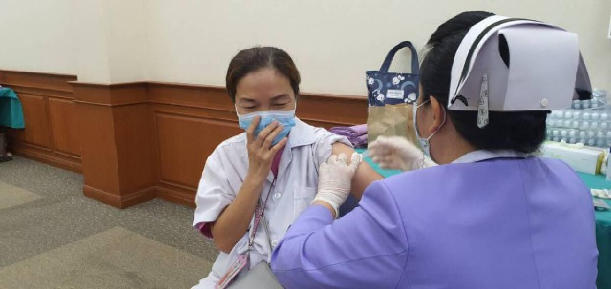 ชาวขอนแก่นฉีดวัคซีนร้อยละ 5
