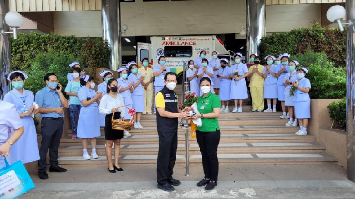 รพ.พุทธชินราชส่งนักรบชุดขาวช่วยกทม.