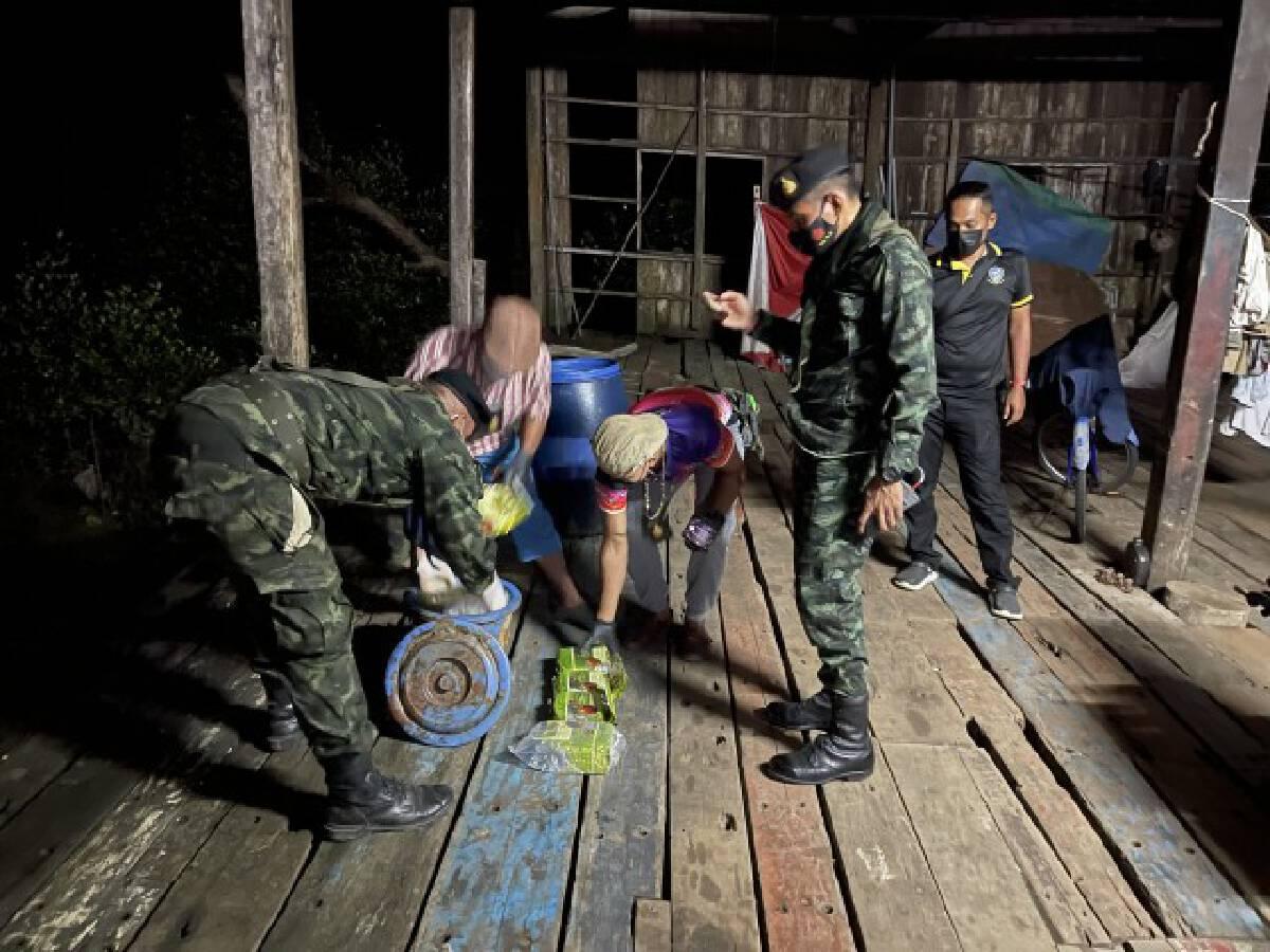 พบไอซ์ 6 กิโลกรัมลอยติดป่าโกงกาง