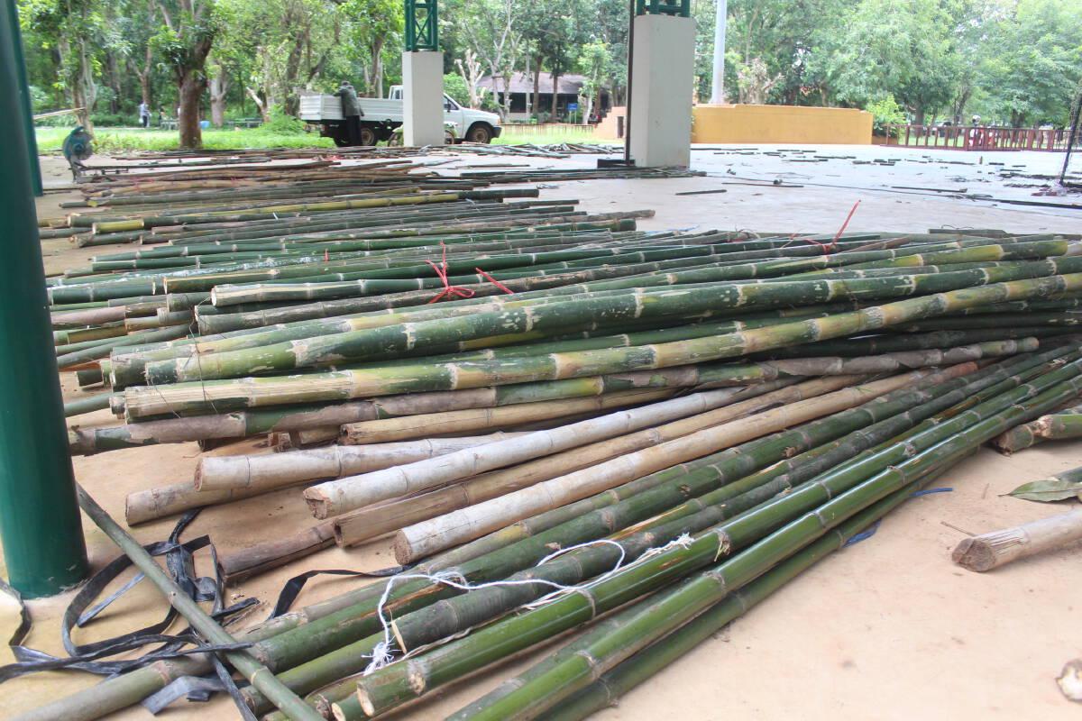 ชาวอำเภอเสิงสางระดมไม้ไผ่ สร้างจุดพักคอยผู้ติดเชื้อโควิดเพิ่มแห่งที่ 3