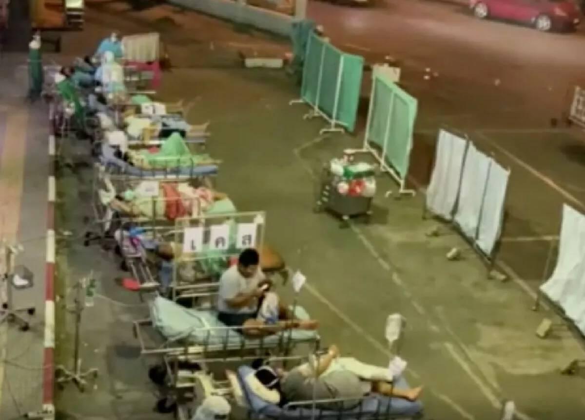 """แจงประเด็น""""วิกฤตเตียงโควิด"""" หลังโซเชียลเผยภาพผู้ป่วยนอนล้นรพ."""