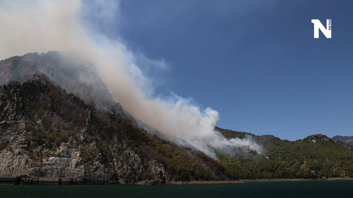 เร่งระดมเจ้าหน้าดับไฟป่าที่ตุรกี  ปะทุกว่า 60 จุดเผาเมืองตากอากาศวอด