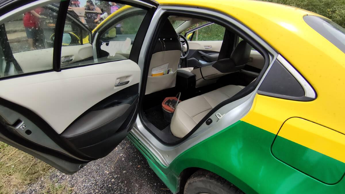 สภาพภายในแท็กซี่ที่เกิดเหตุ