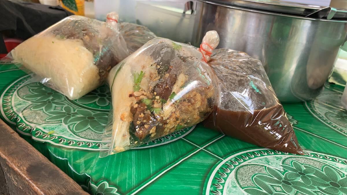 ก๋วยเตี๋ยวอีเซ ทั้งหมู่บ้านการันตีความอร่อยใส่ห่อกลับบ้านเลี่ยงติดเชื้อ