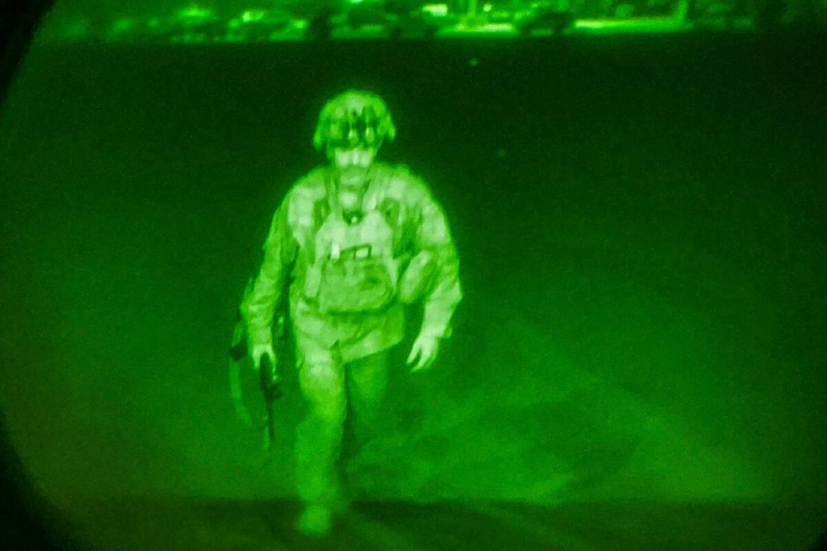 พลตรี คริส โดนาฮิว ผู้บัญชาการกองพลส่งทางอากาศที่ 82 เป็นทหารคนสหรัฐฯคนสุดท้ายที่ออกจากคาบูล