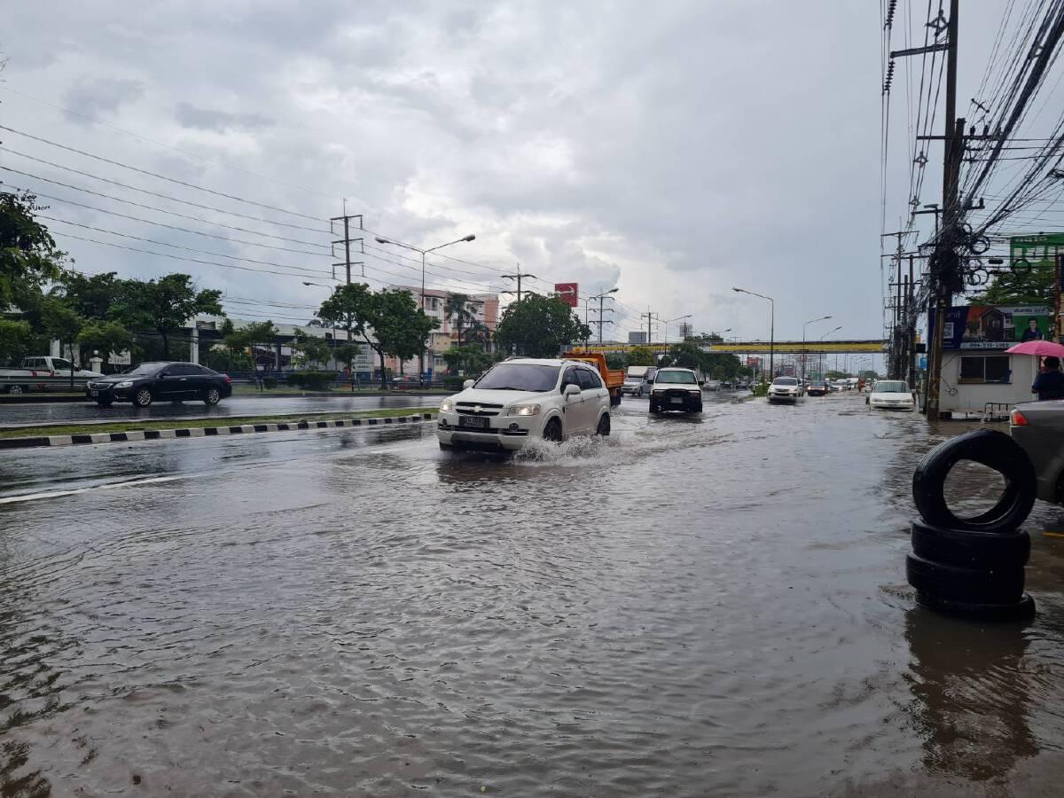 ฝนถล่ม 30 นาที น้ำทะลักท่วมถนนมิตรภาพหน้าตลาดเซฟวัน