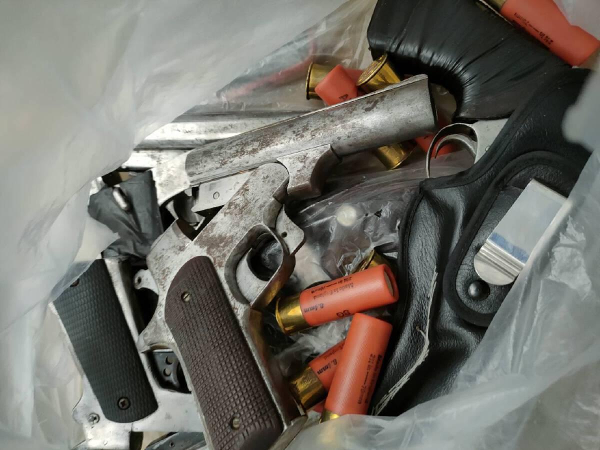 รวบวัยรุ่นจ.ตรัง นัดพวกดวลปืน แจ้งข้อหาหนักซ่องโจร