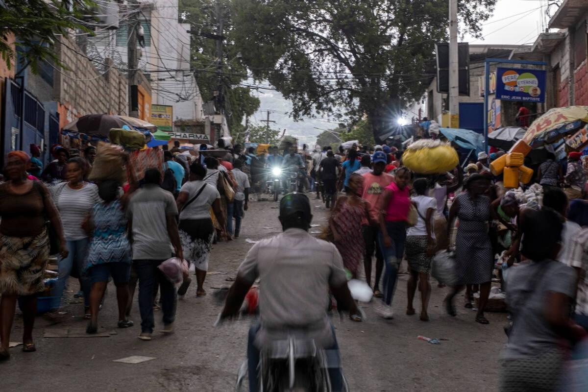 """""""เฮติ"""" กับวิกฤตการณ์ที่ไม่มีวันจบสิ้น"""