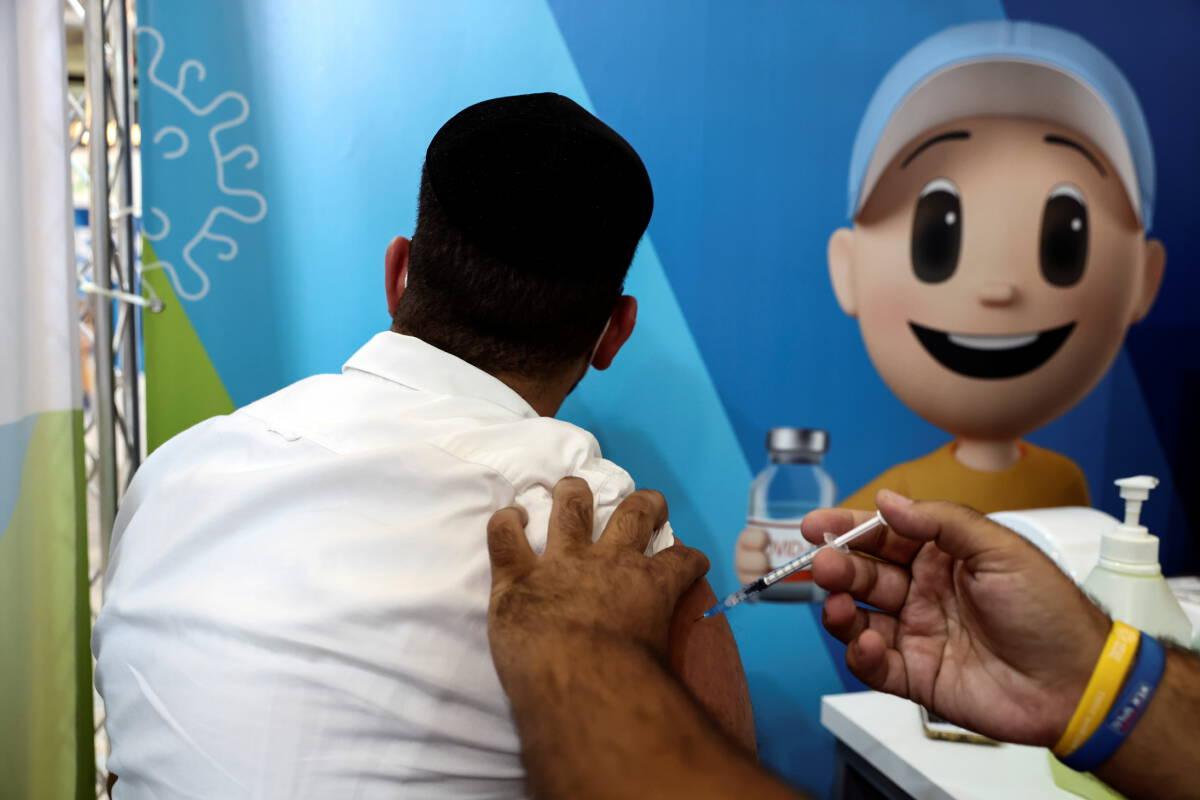 อิสราเอลให้ทุกคนได้ฉีดวัคซีนเข็ม 3 หากได้วัคซีนเข็ม 2 ครบ 5 เดือน