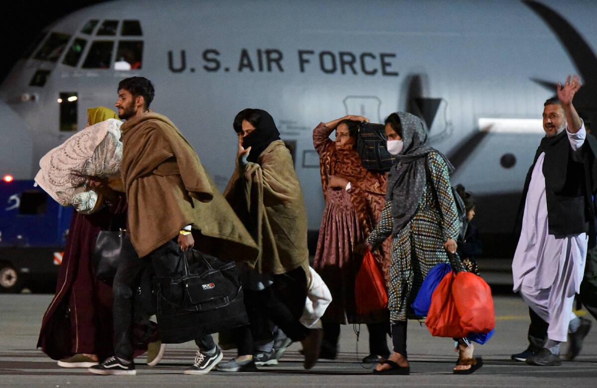 จรวดหลายลูกพุ่งใส่สนามบินคาบูล สหรัฐฯสกัดไว้ได้