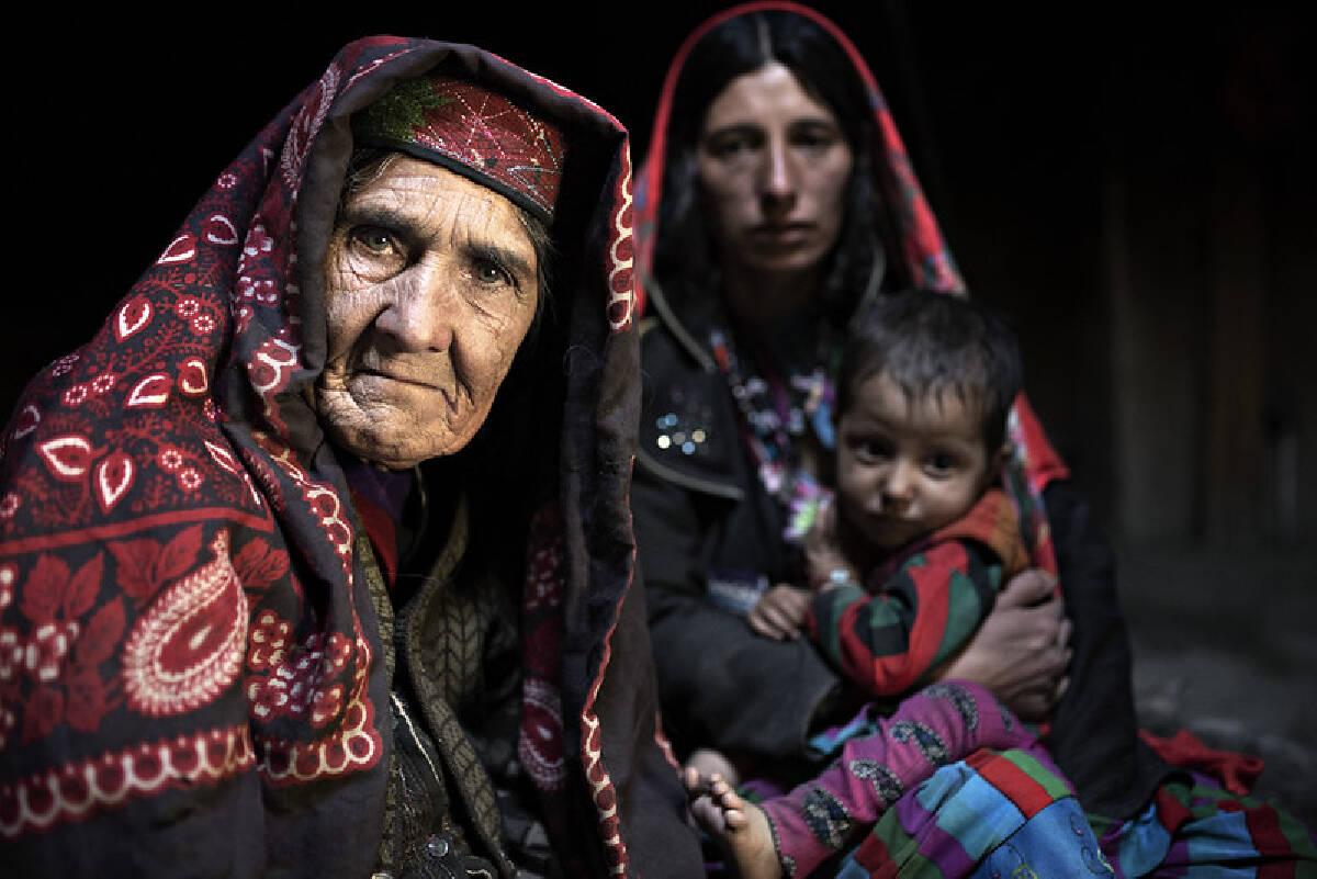 Wakhi คือหนึ่งในชนกลุ่มน้อยที่อาศัยอยู่ในฉนวนวาคาน ซึ่งอาศัยแบบกระจัดกระจายกันในพื้นที่ซึ่งยากจะเข้าถึงแห่งนี้