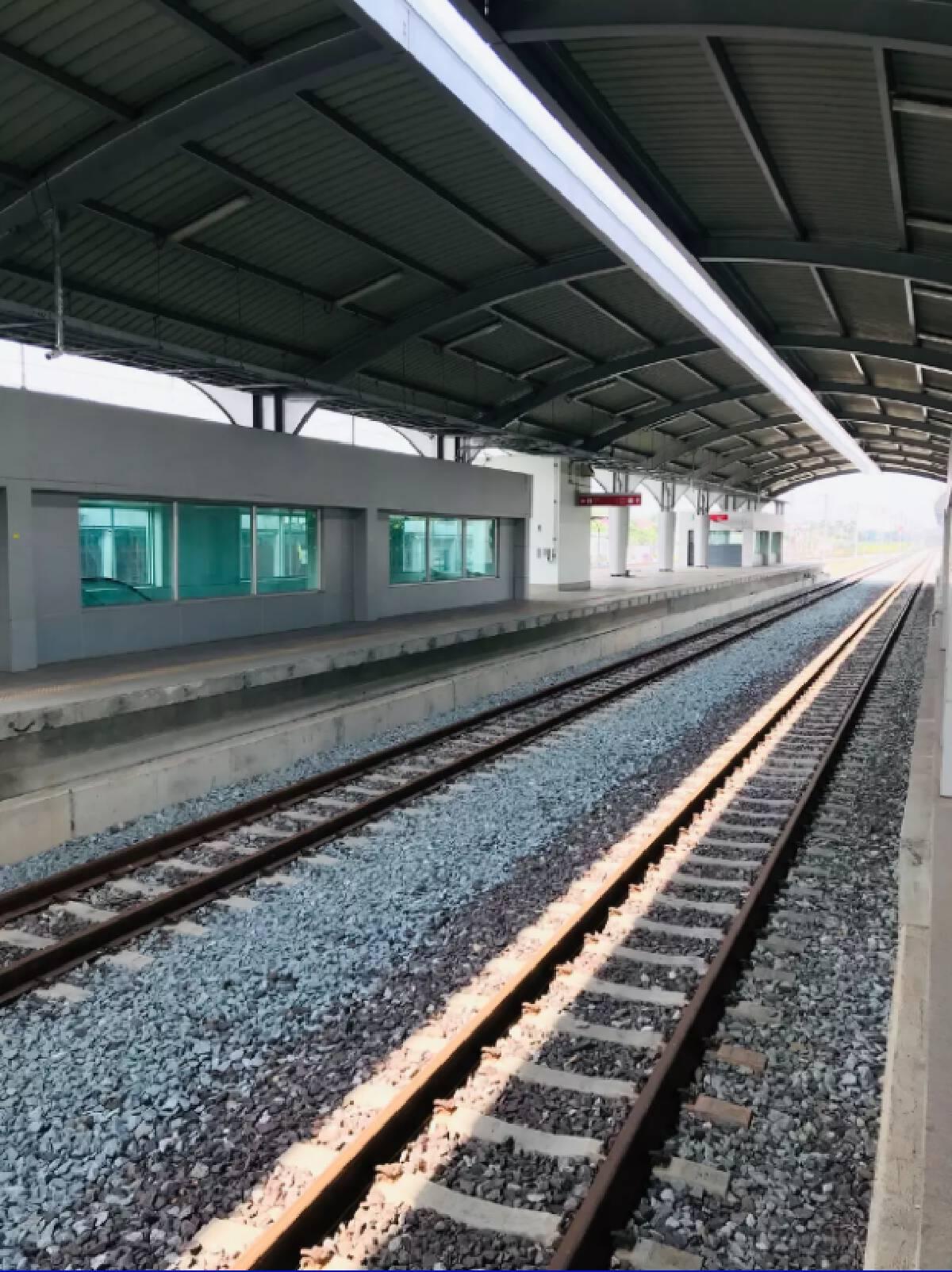 งามหน้า! รถไฟสายสีแดงเปิดไม่ทันไรเจอโจรบุกขโมยสายไฟทำเดินรถสะดุด