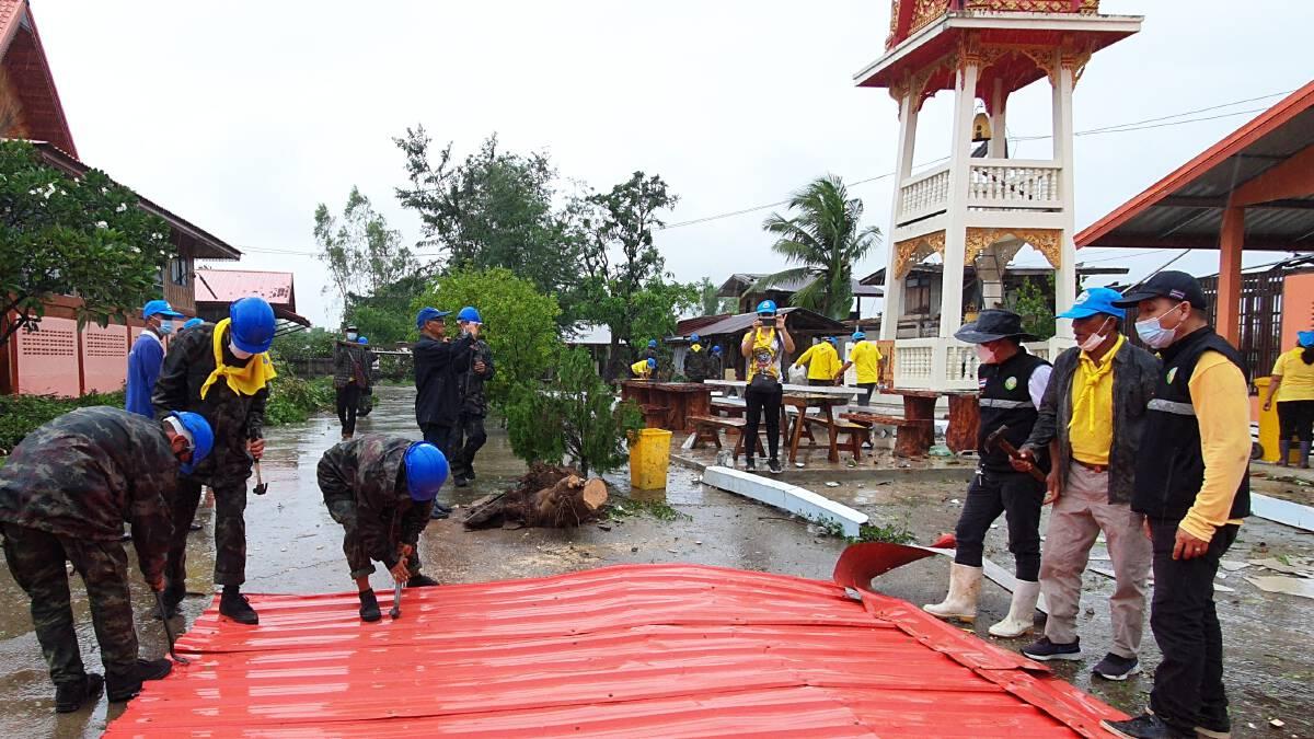 พายุฝนถล่มบ้านเรือนตำบลดงสิงห์ เสียหาย 100 หลังคาเรือน