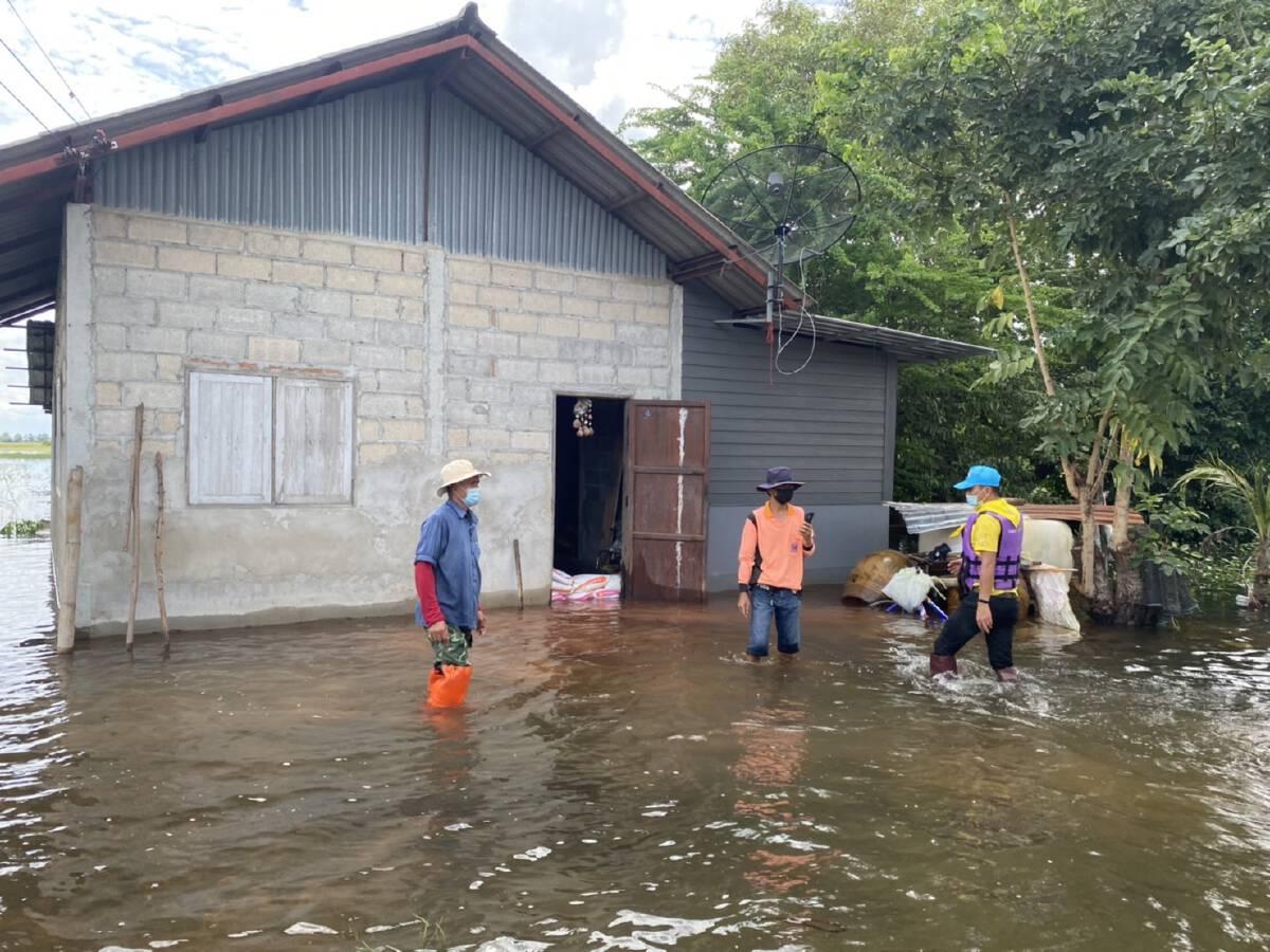 ชาวบ้านลำเชิงไกรอ่วมน้ำ2สายไหลเข้าท่วมบ้าน-ที่นากว่าพันไร่