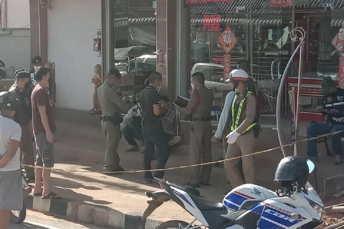 ระทึกโจรบุกเดี่ยวควงมีดอีโต้จี้ร้านทองตำรวจจับทันควัน