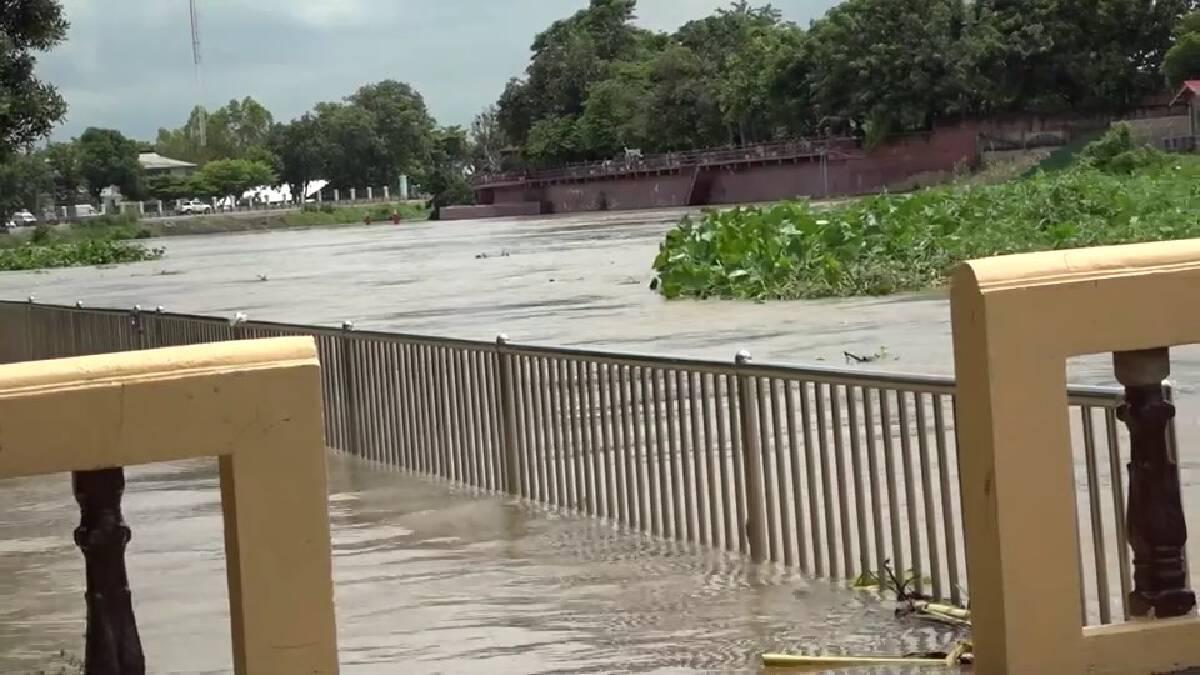 วัดดังริมแม่น้ำเจ้าพระยา เฝ้าระวังต่อเนื่องหลังระดับน้ำเพิ่มสูงขึ้น