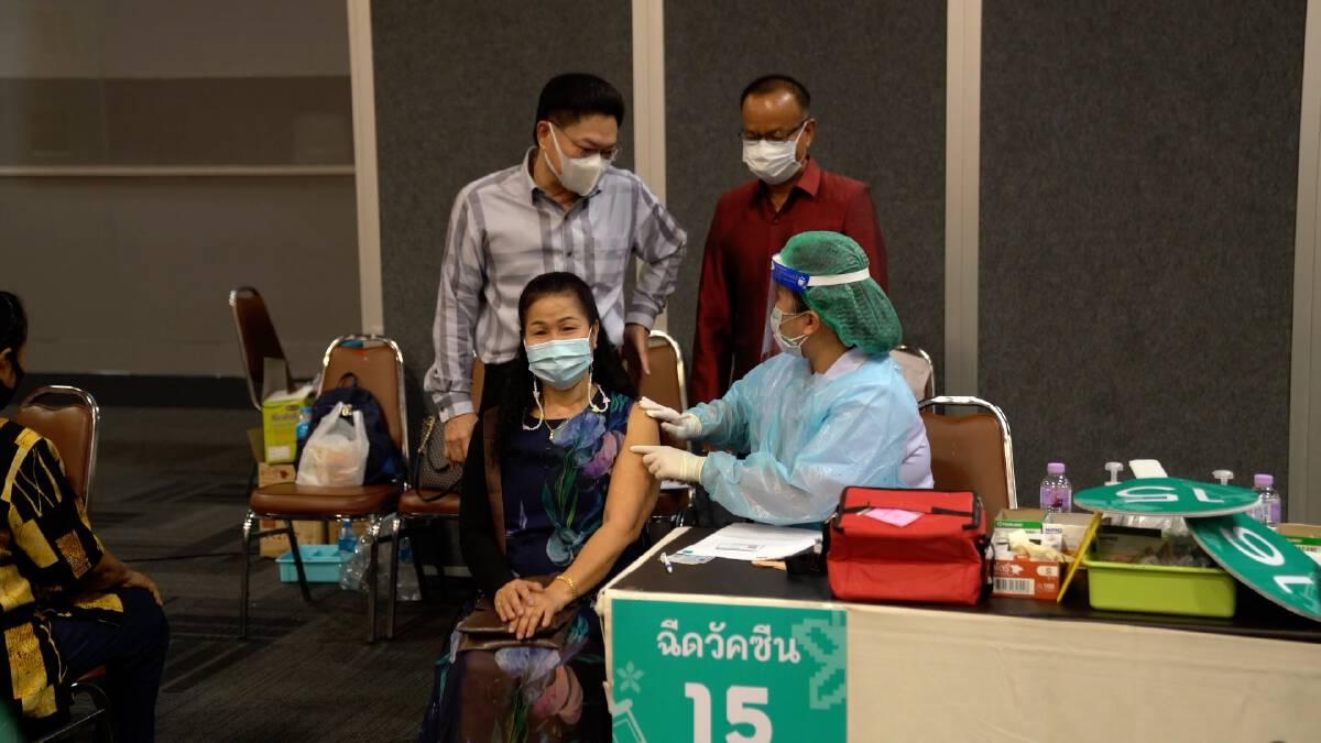 ทน.ขอนแก่นชะลอเปิดเรียนทั้ง 11 โรงเรียน เตรียมสำรวจเด็กฉีดวัคซีนทุกคน
